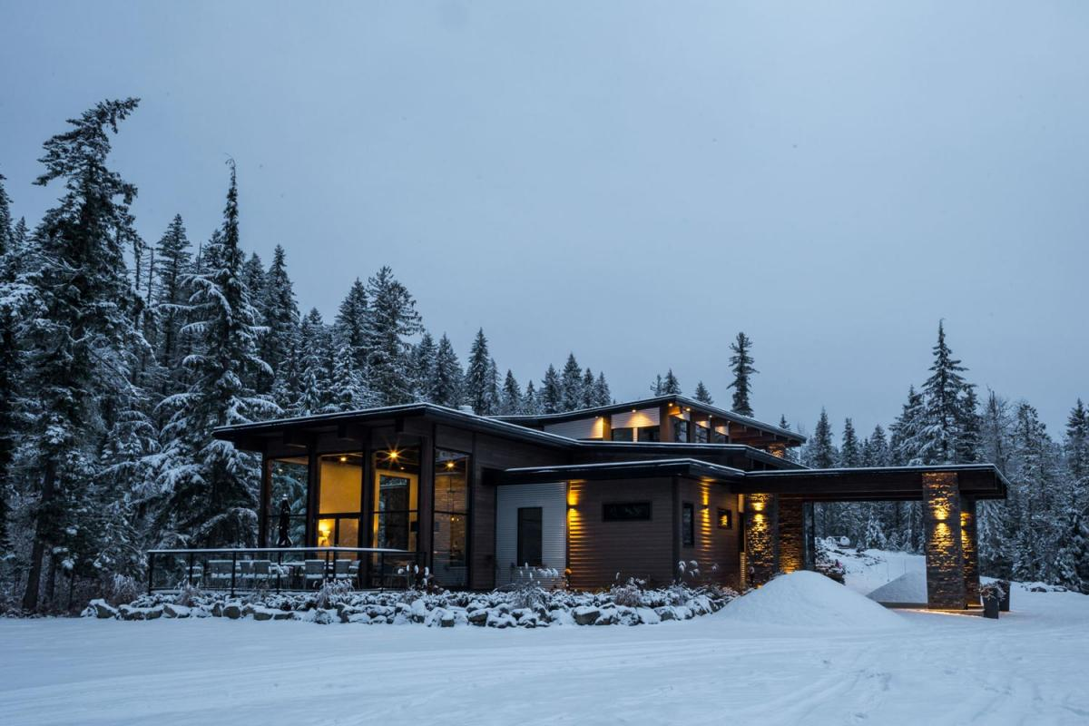 Eagle Pass Heli - Eagle Lodge