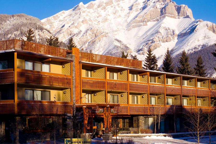 Aussenansicht Banff Aspen Lodge
