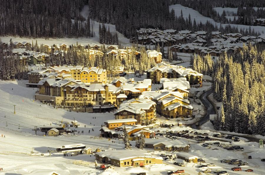 Sun Peaks Village - Ansicht vom Berg