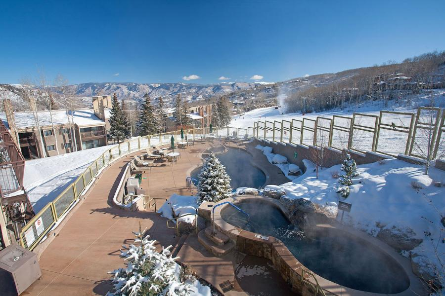 Timberline Apartments Snowmass - Pool und Jacuzzi an der Piste