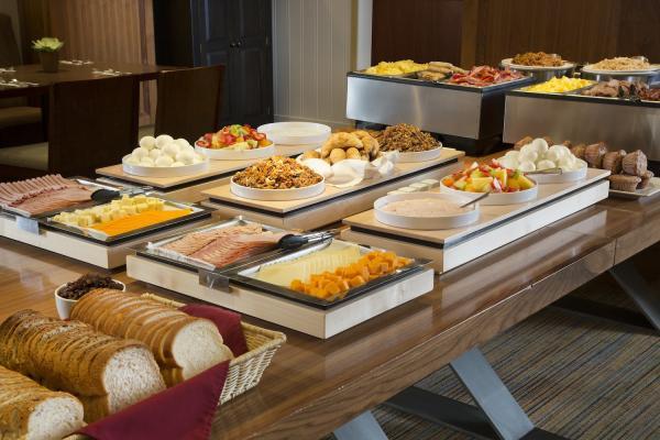 Banff Aspen Lodge - Frühstückbuffet