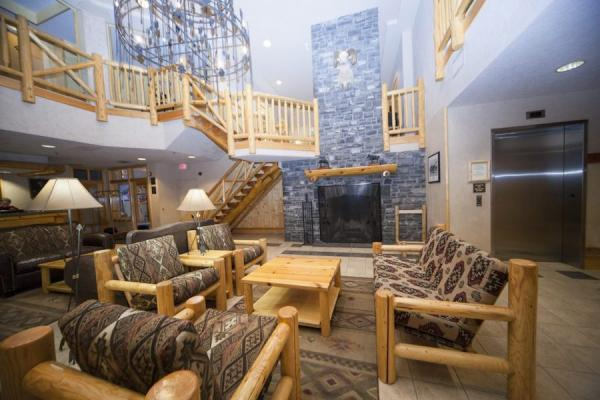 Brewster Mountain Lodge - Lobby