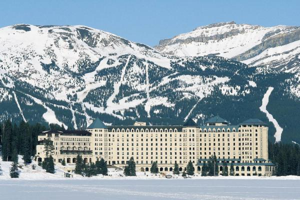 Fairmont Chateau Lake Louise Hotel - Ansicht vom See