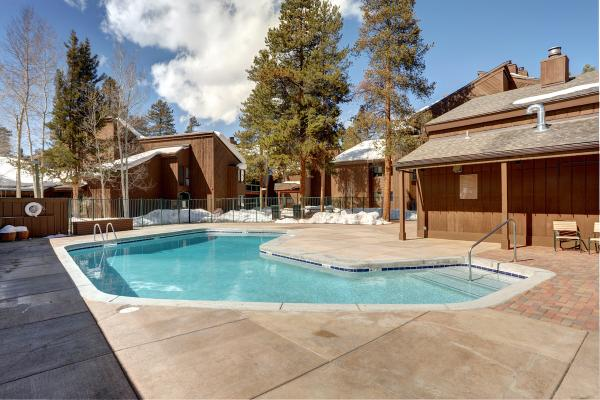 Forest Condominiums - Keystone - Pool