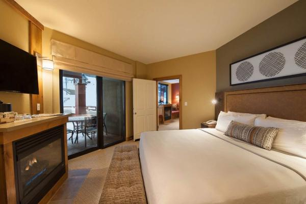 Grand Summit Hotel - Deluxe Zimmer mit King Size Bett