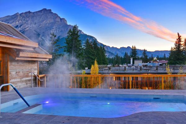Moose Hotel Banff - Dachterasse mit beheiztem Pool