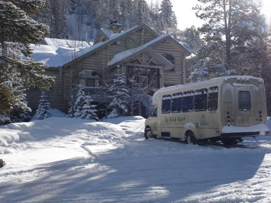 Unterkunft Little Mountain Lodge mit Ski Wild West Bus