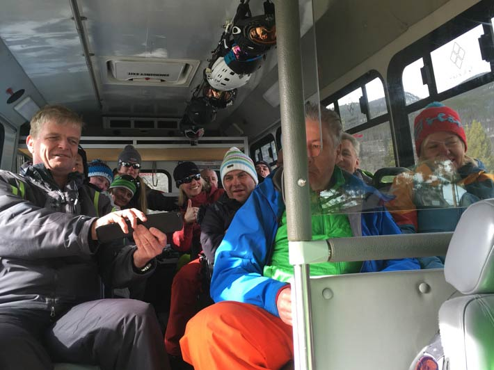Skisafaris: Ski Wild West Shuttle-Bus Innenansicht